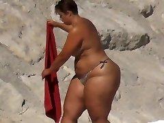 BBW Humungous Ass on the Beach