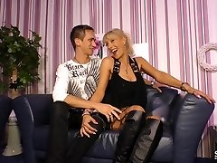 Sextape Germany - First-timer BBW German gets drilled in hot sextape lessons