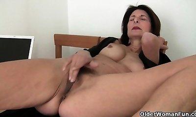 Porn will get mom's slit sweet