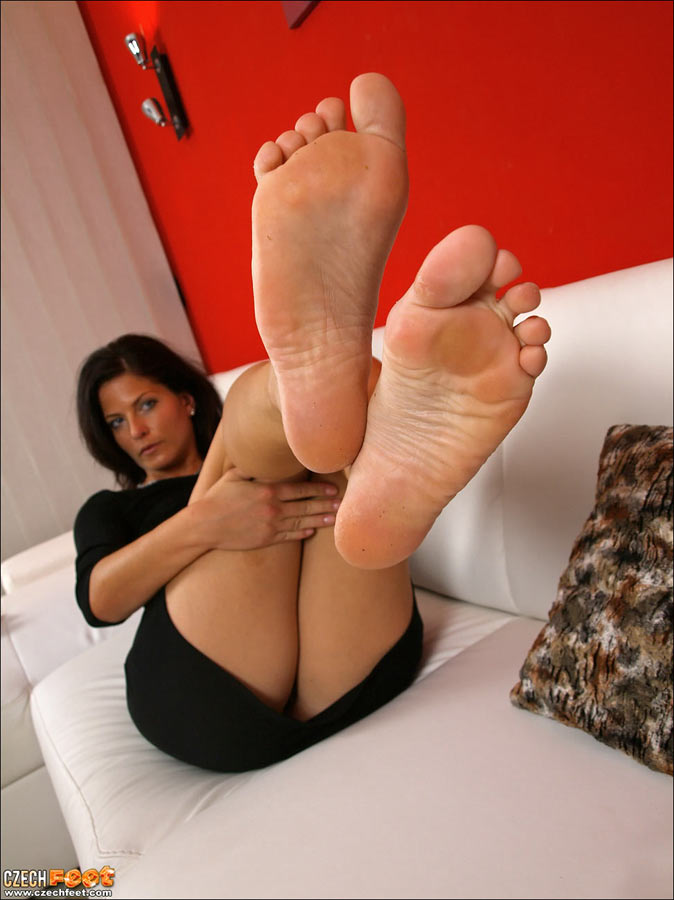 Feet hq mature porn Feet: 27,463
