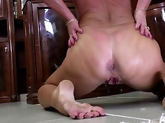 Old but still very hot seed huge porn wants to fuck