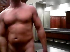 Hunk jerking in the xxxin 2 room