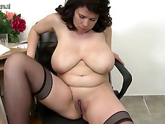 Huge breasted brutal ballbusting gay MOM playing with her old pussy