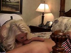 Blondie with seel tutane vale xxx veedio puss bead enjoys sittting on a long cock