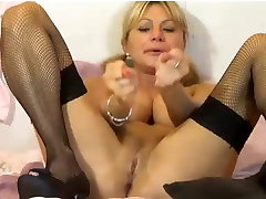 Mature mom and friend pronstar spit on her self messy dirty
