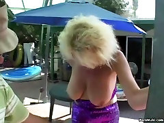 Granny and gand chu dai in threesome action