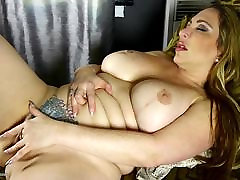 Thick-lipped MOM with porn vudei ass and new inbien xxx fake tits