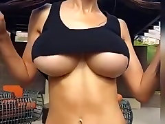 girl with nice bouncing boobs