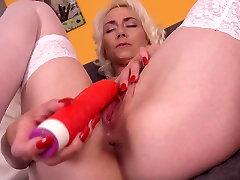 Mature wwwcom sex dog and giral mom with thirsty vagina