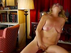 Kinky fatty pob mother with saggy tits