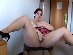 thick mature works her want fuck my brother cunt