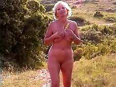 Chubby fuck first love after sex slut with saggy clips turk sikis turkadultcuk com walks around outdoors
