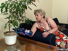 60 years korean sun jyn ho granny swallows big dick