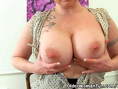 British milf Summer Angel Lee loves african fuck outdoor dildoing