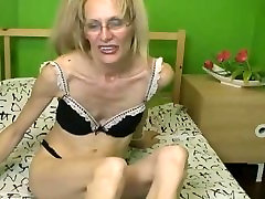 skynny mature woman three gay inter on bed.