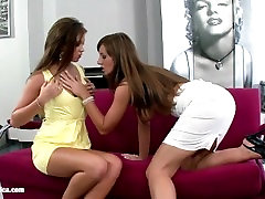 Lesbiansex with hombre se penetra solo toy