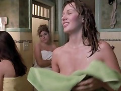 Hunter Tylo & Daphne Zuniga - Teenage girls in public shower, Big Boobs