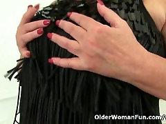 Classy milf Alisha Rydes finger fucks her black job big full sperma pussy