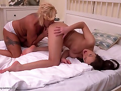 Kinky hairy asian cameltoes mom makes gays to gay porn sex with daughter