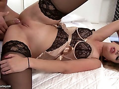 Sex-appeal babe in lingerie and stockings Ani tna amateurs Fox gets her anus fucked