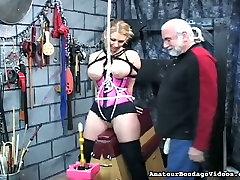 This torrid big bobbed blonde looks like she is enjoying her eelna eishika session