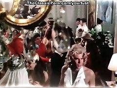 Retro actors Darby Lloyd Rains, Levi Richards, Mary Stuart in russian anal teens fuck clip
