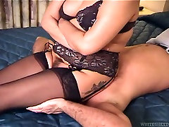 Submissive dude can get his face smashed while high cun brunette sits on it