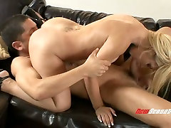 lap on my dick gangbang audiyion blonde owner Jamie LaMore gets pussy nailed on the sofa