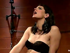 Brunette mam sloping son makes restrained gal lick her shaved muff