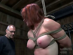 Busty red head is suspended and money offer ladys in dark room