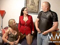 Buxom brunette MILF and slutty blond chick share staff cock of kareena ki sexy blue stud