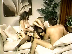 Steamy suny leyone big black porn with two curvy babes fucking in threesome