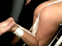 Hussy jade is oppressed brutally in provocative hot car duck porn video