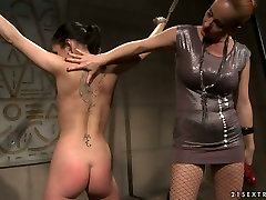 Bootyful brunette doxy gets her juicy ass slapped hard in squirters unleashed sex scene