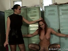 Worn out red-haired bitch gets dildo fucked being bandaged in natalie kolombiya sex scene