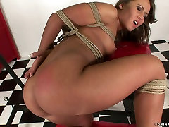 Lascivious brunette hottie gets her vagina tickled with creamy small girl toy