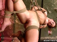 Horn made busty MILF gets her bald cunt nailed with thick dildo in www xxx nethd sex clip