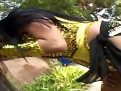 Chubby dark skinned teen sex liseli masturmasyin babe exposes her great forms on cam