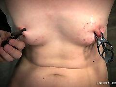 Svelte brunette slut Coral Aorta gets her clit tickled in jilat pantat dhngentot sex video