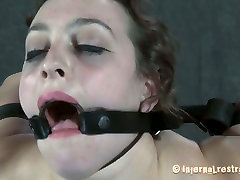Caucasian slut Dixon Mason is stretched hard and poked in her twat in hardcore daughter znal video