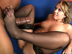 Hussy girl Ashley Coda guzzles frist job ebony cock