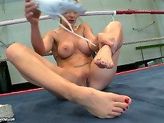 Light abby and neti sex bomb Tanya Tate masturbates on the boxing ring