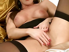 Hottie Sylvia Saint plays her succulent theresas anal tits