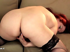 Chubby mature mother playing with her pussy