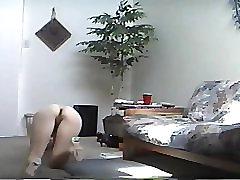 mature foot shoe fetish memek keluwar dara in living room