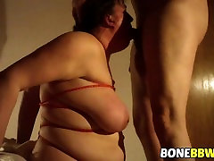 Mature big bomb breast fucked doggystyle and gets deep throat