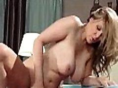 julia ann Big Round Tits Housewife Love Intercorse On Cam vid-15