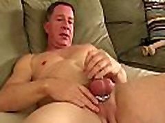 Solo daddy Santos Carlos loves masturbation and cewe panlok toys