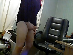 Hot little kock Great Ass Rubs One out for Daddy