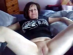 Fingering this Horny Fat jessie rhoges mastrubation sis GF, she love to squirt